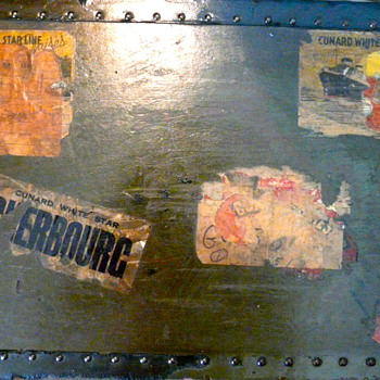 Old trunk with great cunard line stickers - S.P. Wallingford - Furniture