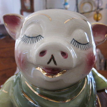 Shawnee Pig Bank Cookie Jar 1940&#039;s