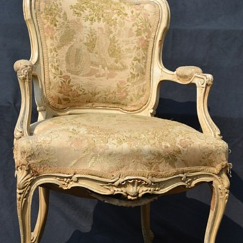 Please Help Identify This Chair : 1700s 1800s English ? Anything will help :)