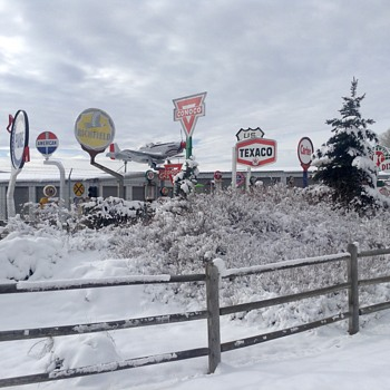 Cool Signs in the cold - Petroliana