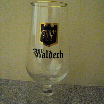 Hamm's Waldech small beer glasses with gold rim - Breweriana