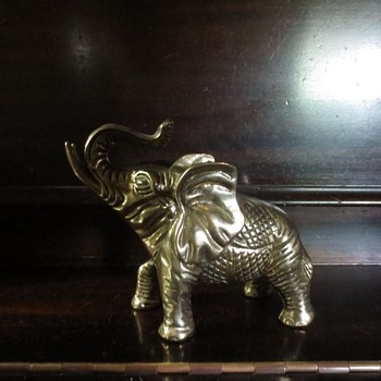Pattern brass elephant