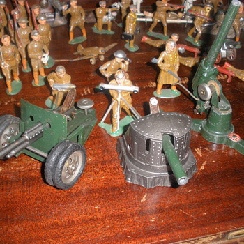 Astra guns 1940s. Diecast and pressed steel with cap fireing mechanisms.  - Toys