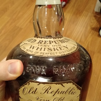 Old Republic Whiskey, unknown date and origin