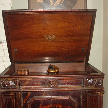 Victrola  Credenza 