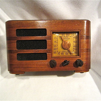 Crosley 1942 52TF Tabletop Radio, Works!