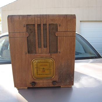 Clarion Tombstone Radio