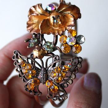 Clamper bracelet - vintage?