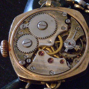 Continued: Movement Pictures of Old Swiss Made Watch - Wristwatches