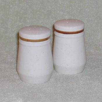 Ceramic Salt & Pepper Set - Kitchen