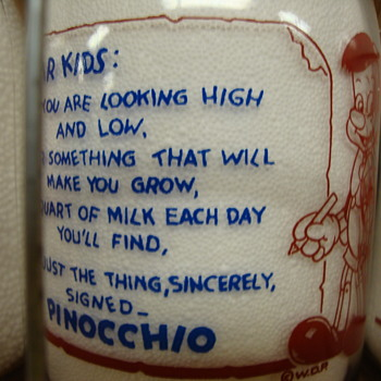 VA-VEE DISNEY PINOCCHIO QUART MILK BOTTLE.......