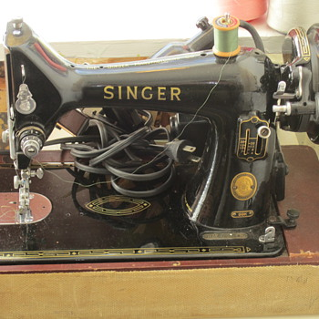 Cute Little Portable Singer Sewing Machine