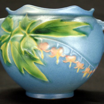 Vintage Art Deco Era Roseville Pottery 651-3 Blue BLEEDING HEART Jardiniere Vase Planter  - Art Pottery