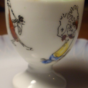 Popeye egg cup signed Japan. - Kitchen