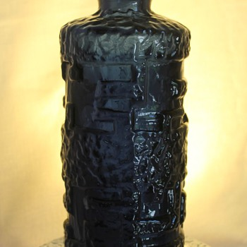 Kobalt Glass Vase, Ruda Sweden - Art Glass
