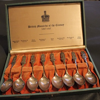 "British Monarchs of the Century 1837-1937 set of (8) 5.25"" spoons  - Sterling Silver"