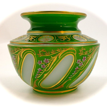 Josephinenhuette Cut-to-Clear vase designed by Alexander Pfohl, ca. 1927 - Art Glass