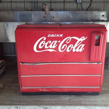 What model is this Coca Cola cooler?