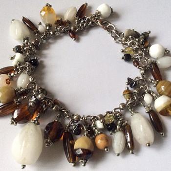 Vintage stone bracelet - Costume Jewelry