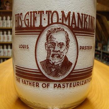 Louis Pasteur design 1/2 gallon milk bottle.... - Bottles