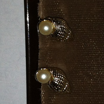 Vintage Conch Shell & Pearl Clips - Costume Jewelry