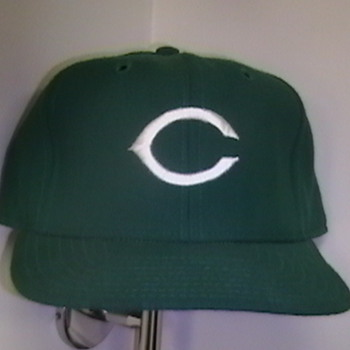 Game Used Dave Collins Cincinatti Reds St. Patrick Day Cap