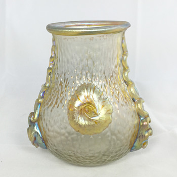 "Loetz ""Nautilus"" Vase - 4.75"" tall. Circa 1903 - Art Glass"
