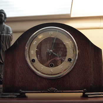 Perivale/Anvil  Art Deco Chiming Mantel Clock - Clocks