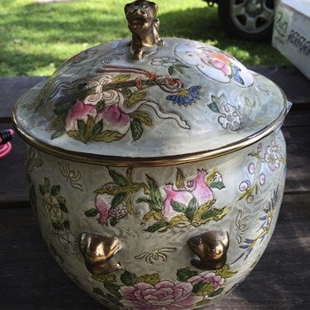 "Asian 9"" floral pot with Chinese figures. Gold dog on lid  - Art Pottery"