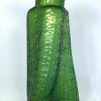 """Loetz Crete Chiné Vase. PN I-7302. 9"""" tall. Circa 1897 - Art Glass"""