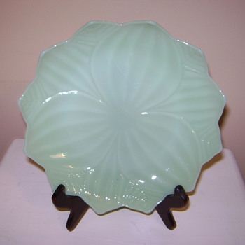 Light green flower dish - Glassware