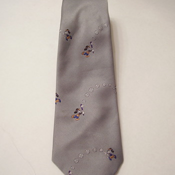 Vintage Disney Balancine Mens Mickey Mouse Plays Baseball 100% Poyester Tie - Mens Clothing