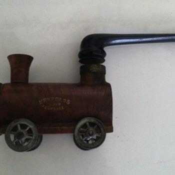 Train Pipe - Tobacciana
