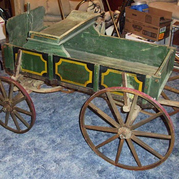 Bluegrass Farm Wagon - Sporting Goods
