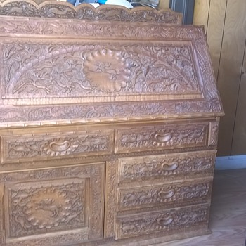 I bought this desk at a storage locker sale,need help identifying ,PLEASE !