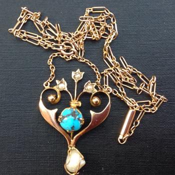 Art Nouveau gold pendant and chain - Art Nouveau