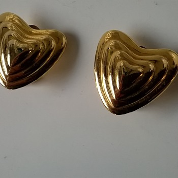Haute Couture Golden Heart Earrings Signed MARGARETHA LEY for ESCADA Made in France