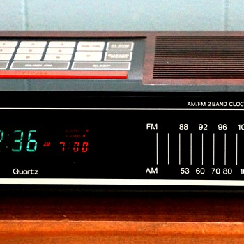 Toshiba RC-K5 AM/FM 2 Band Clock Radio