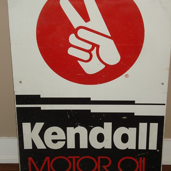 KENDALL MOTOR OIL METAL ADVERTISING SIGN AND ROUND THERMOMETER - Advertising