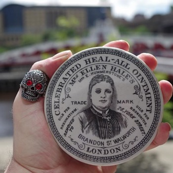 Mrs ELLEN OINTMENT POT LID LONDON - Advertising