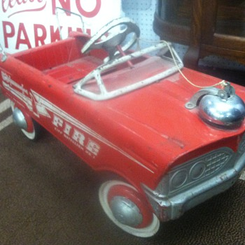 1950's Firechief pedal car.