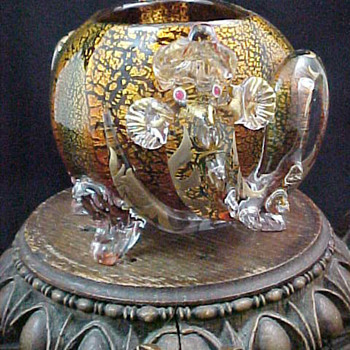 Stevens and Williams Art Glass Rose Bowl with Applied Serpents