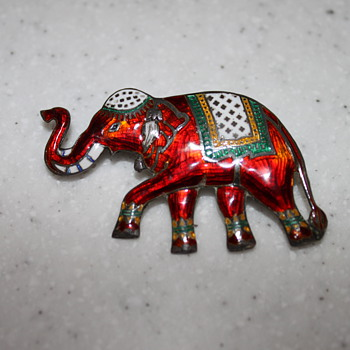Vintage sterling silver elephant pin  - Fine Jewelry