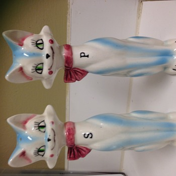 1940's Art Deco Tall Cats salt and pepper shakers