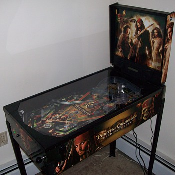 Pirates Pinball Machine - Coin Operated