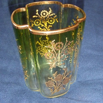 Art glass tumblers with applied gold gilt