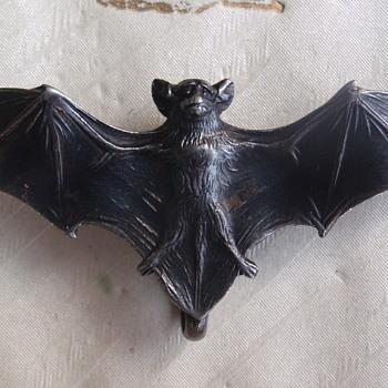 Art Nouveau bat brooch - Art Nouveau