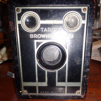 Target Brownie Six-20 Camera - Cameras
