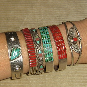 Selection of tourist & 70's? turquoise bracelets
