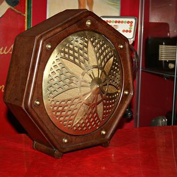 philips bakelite speaker